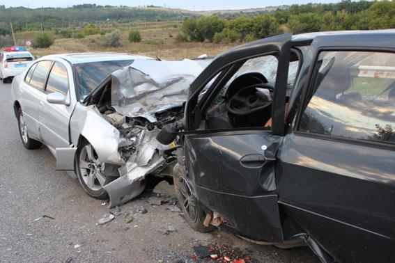 Смертельное ДТП на Запорожье - погибли трое людей: фото
