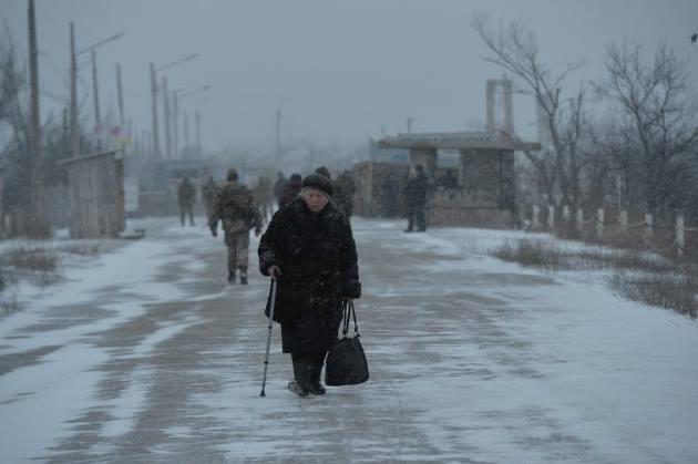 """""""Это невыносимо"""": ситуация на линии размежевания в Станице - фото"""