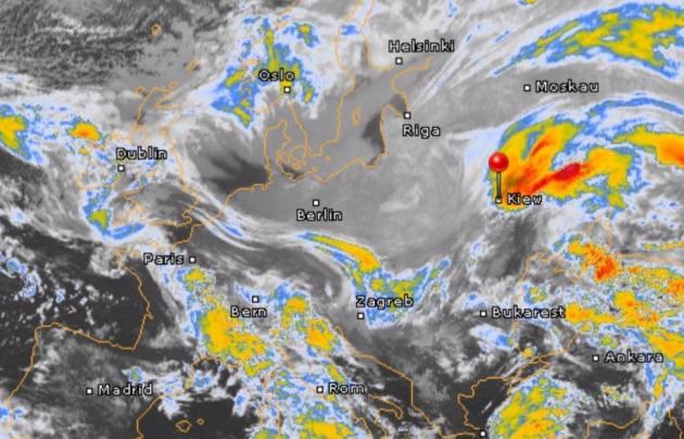 Синоптики предупреждают о морозах и снегопадах: карты