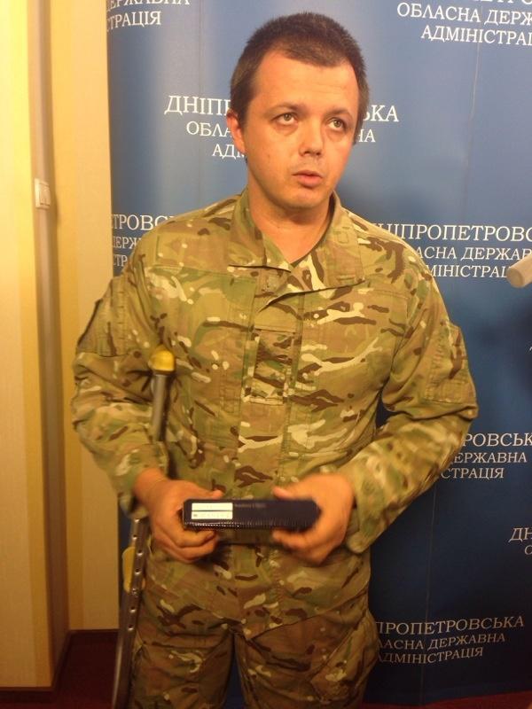 Семен Семенченко впервые снял балаклаву: фото