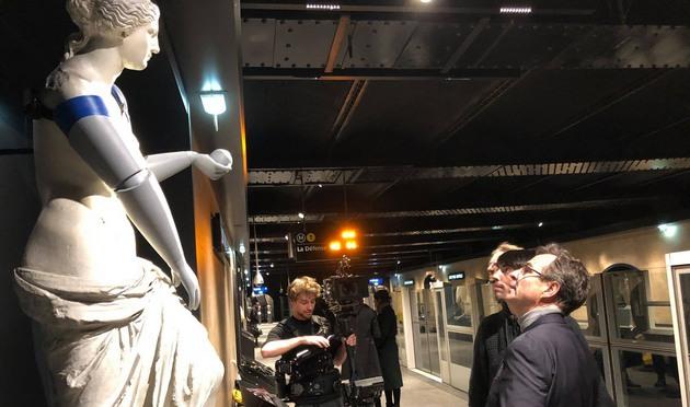 Во Франции Афродите и другим скульптурам надели 3D-протезы: фото