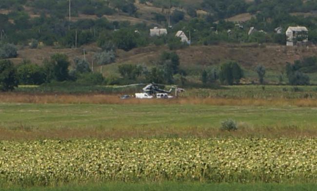 Украинский военный вертолет приземлился наДонетчине