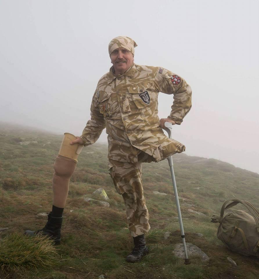 Идущий к цели: как ветеран АТО на одной ноге покорил Говерлу