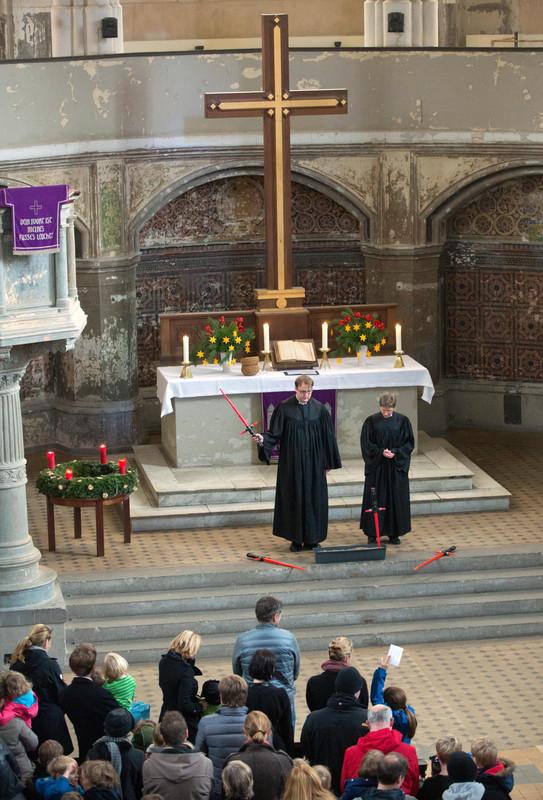 Протестанты в Берлине провели богослужение в стиле Звездных войн