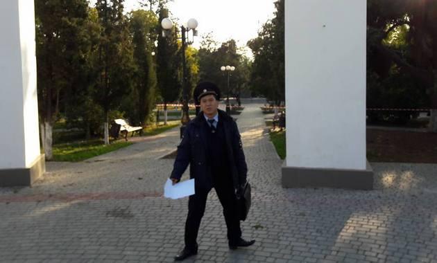 Декоммунизация по-крымски: в Судаке снесли памятник Ленину - фото
