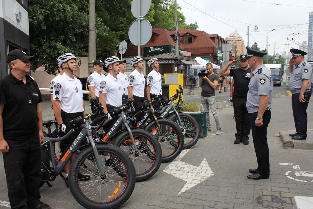 В Одессе начал работу первый велопатруль: фото, видео