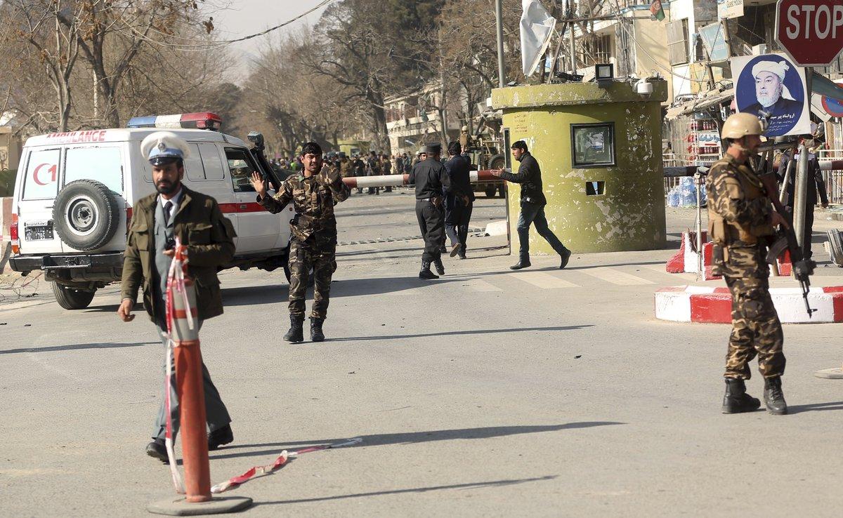 Новый теракт в Кабуле: число погибших увеличилось до 95: фото