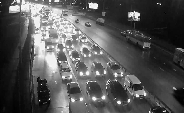 Два ДТП заблокировали Московский мост в Киеве