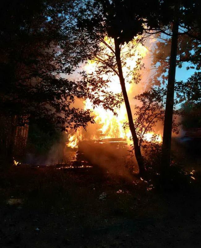 На территории киностудии Довженко в Киеве произошел пожар: фото
