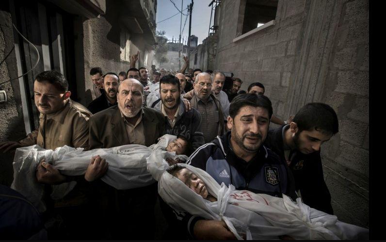 Лучшим фото 2012 года стал снимок похорон в секторе Газа
