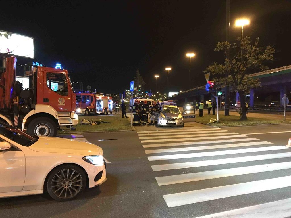 Кортеж генсека НАТО попал в ДТП в Варшаве: фото