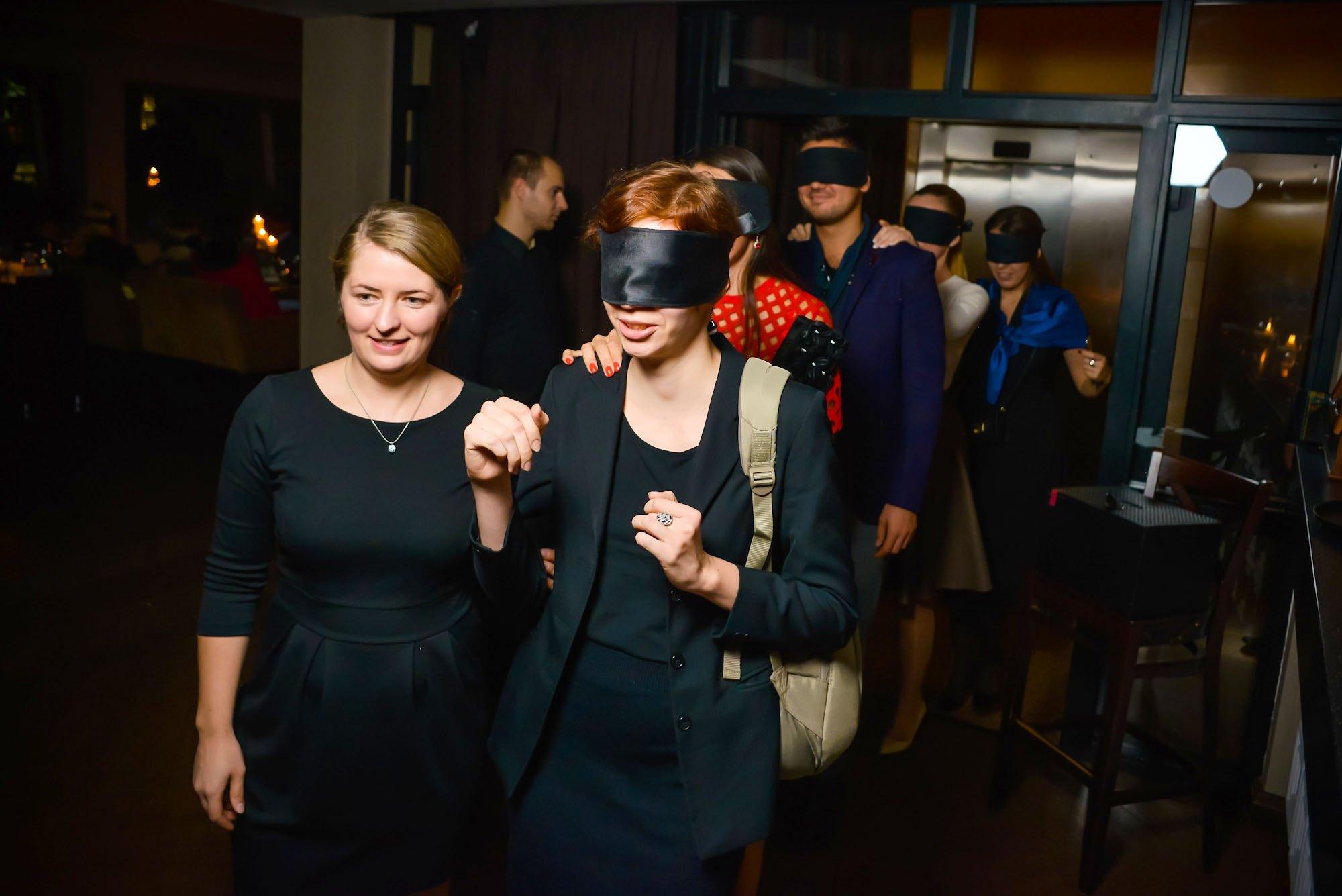 Мир темноты: во Львове состоялся благотворительный ужин BLACK BOX