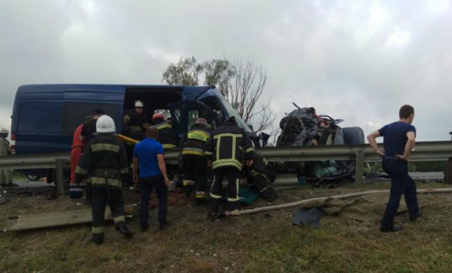 В ДТП во Львовской области погибли трое: фото