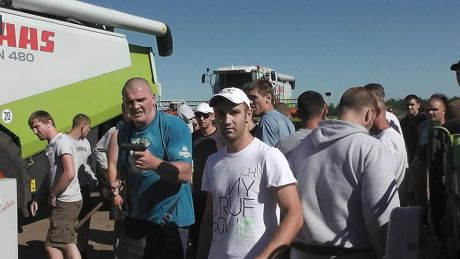 Кандидат оппозиции Корнацкий: Мою фирму захватывают бритоголовые