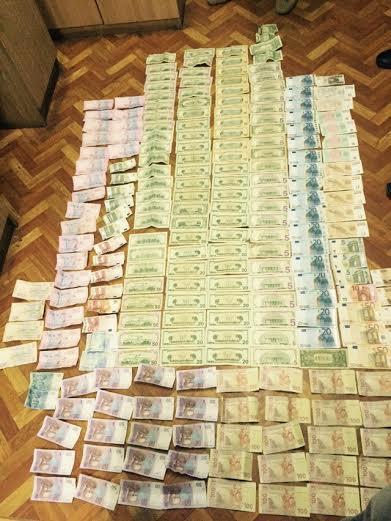 В Ужгороде задержаны начальник и инспектор таможни: фото