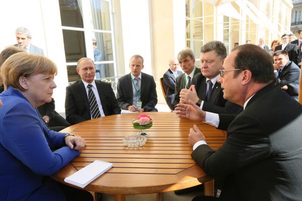 В Париже проходят переговоры лидеров нормандской четверки: фото