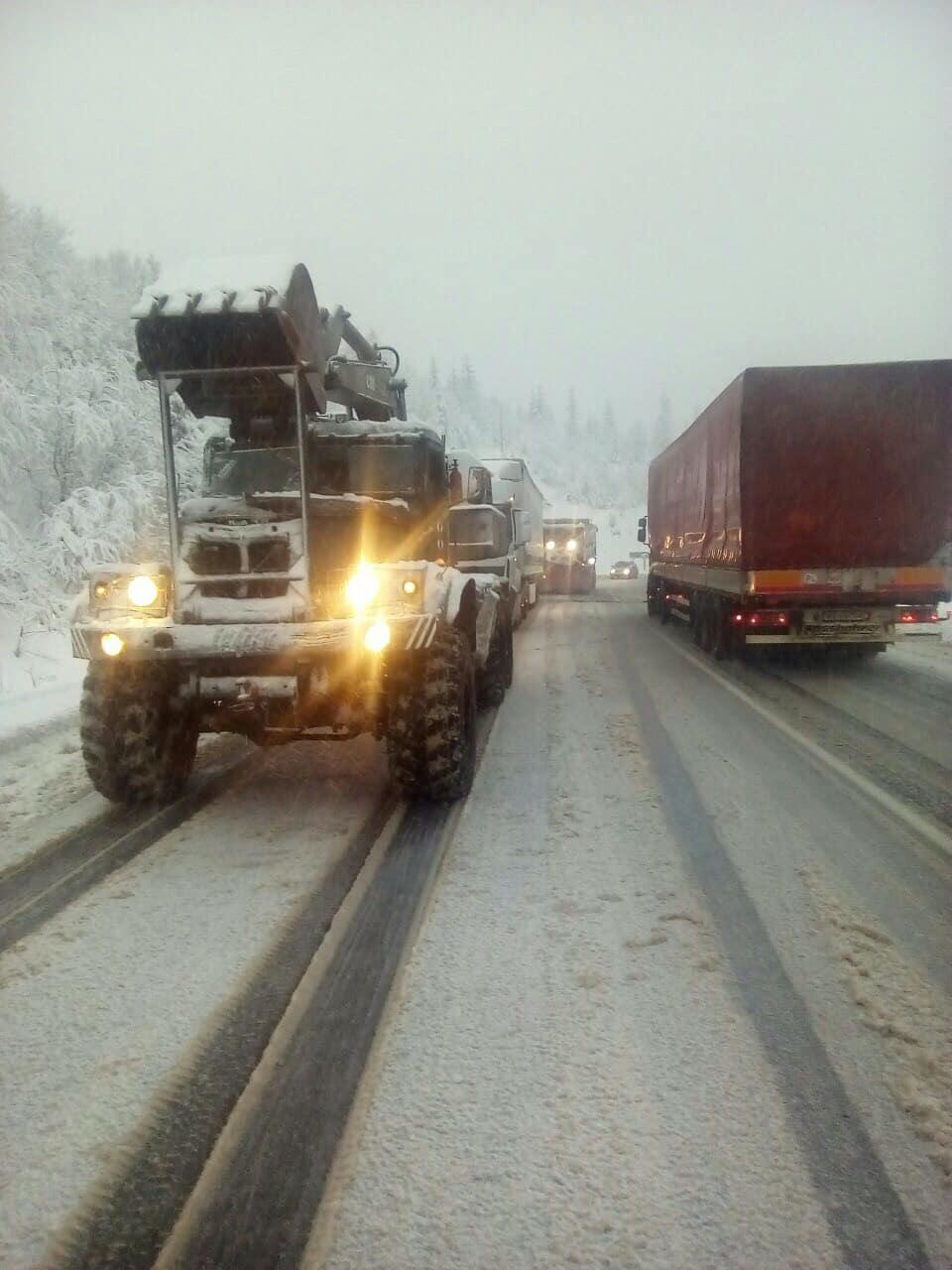 Снегопады на Закарпатье: обесточены 19 населенных пунктов