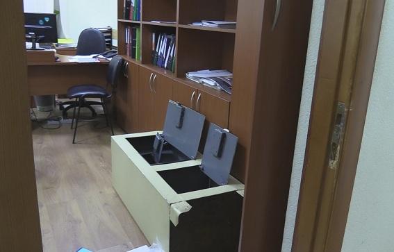 В Киеве вооруженная банда ограбила университет: фото