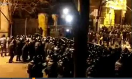 """На Банковой """"Беркут"""" пошел в наступление на митингующих"""