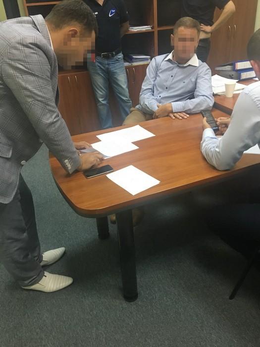 СБУ задержала страховщика при передаче взятки за возврат вклада
