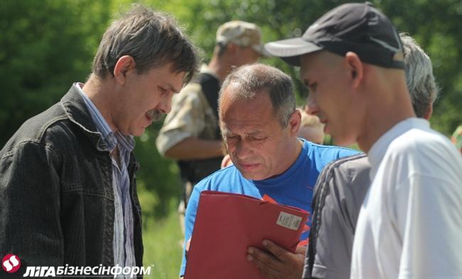 Переселенцы с Донбасса: куда и от кого они бегут