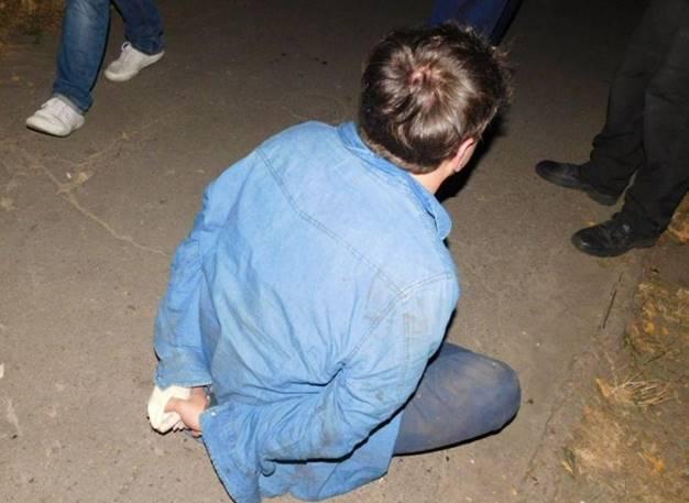 В Киеве иностранец ограбил женщину, ударив молотком по голове