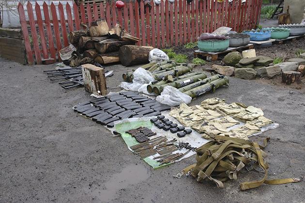 ВБахмуте удвух сепаратистов изъяли целый арсенал