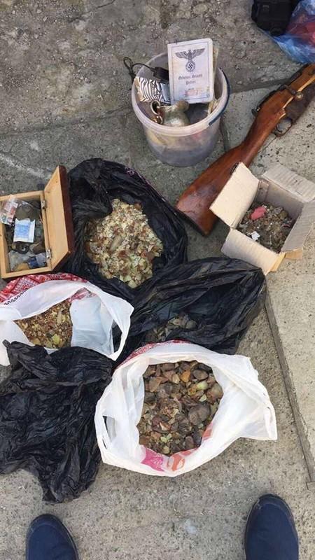 СБУ предотвратили отправку в ЕС партии контрабандного янтаря