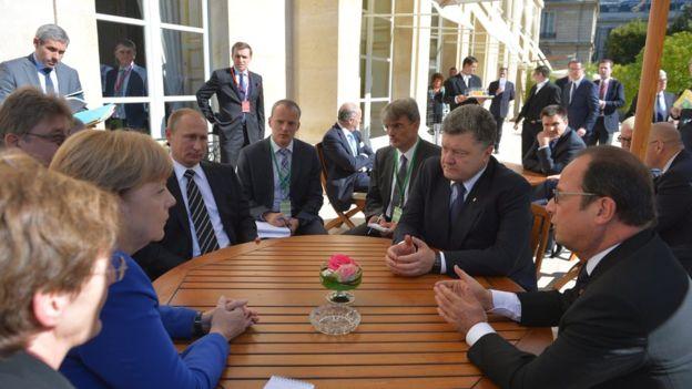 Парижские соглашения. О чем договорились Порошенко и Путин