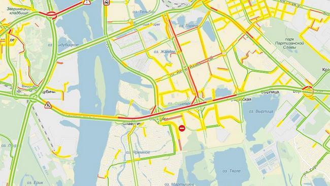 В Киеве на Южном мосту образовалась пробка протяженностью 7 км