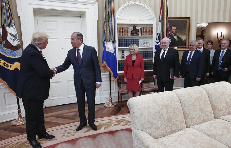 РФ обманула Госдеп, опубликовав фото Трампа и Лаврова - CNN