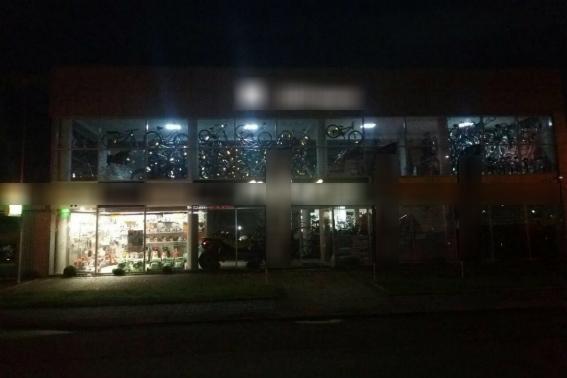 В Мукачево обстреляли из гранатомета магазин