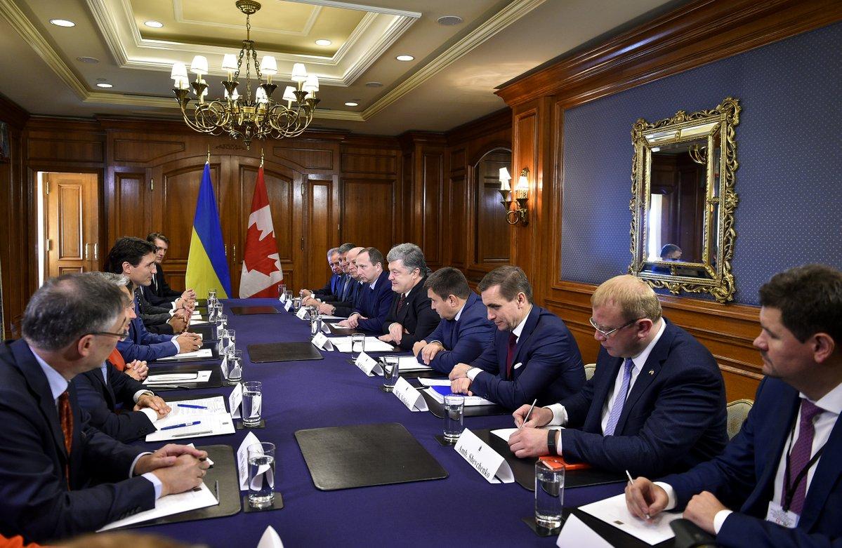 Миротворцы, реформы, торговля: Порошенко на переговорах с Трюдо
