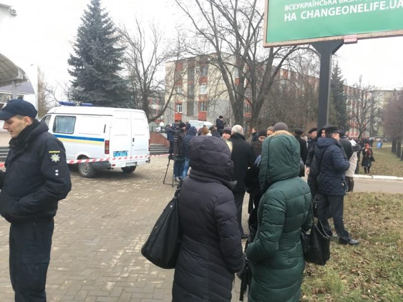 В Черновцах в здании ГФС произошел взрыв, есть пострадавшие: фото