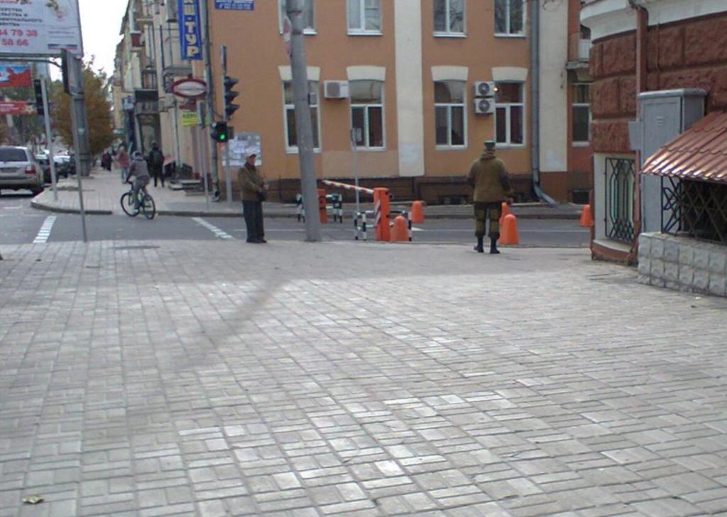 Террорист Захарченко занял офис с бомбоубежищем и тайным ходом