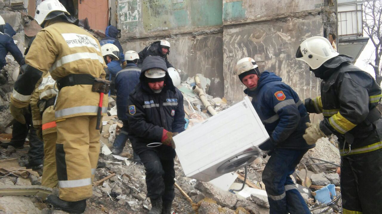 В Казахстане обвалился многоэтажный дом - 9 погибших: фото