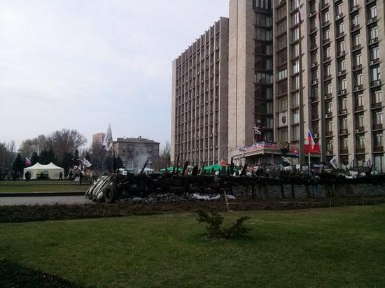 Сепаратисты в Донецком областном совете укрепляют оборону