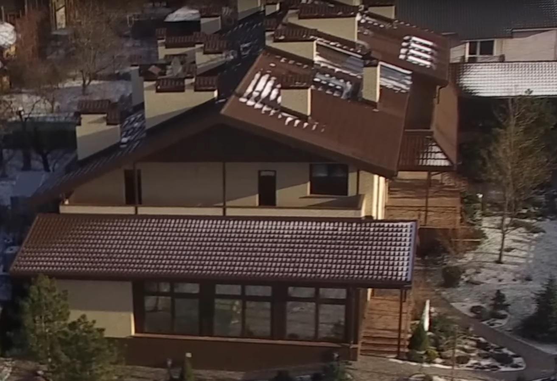 Судья записал на сестру дом в запретной зоне Днепра: фото, видео