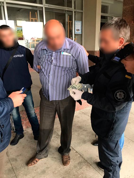 Житомирская область: на взятке в $400 задержан глава сельсовета