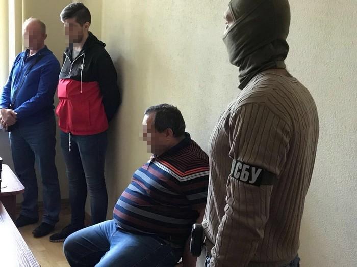 СБУ задержала двух судей за попытку дать взятку Холодницкому