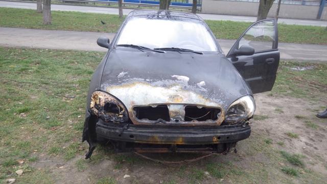 В Киеве после поджога обгорели пять машин