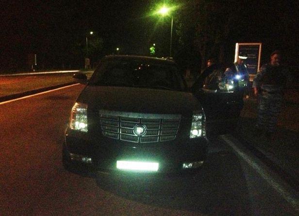 Погоня в Киеве: гаишникам пришлось прострелить колеса Cadillac