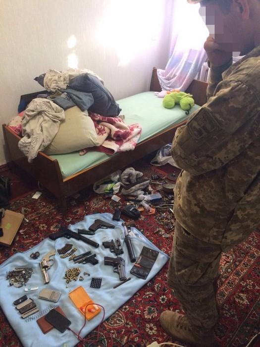 В Херсоне задержан торговавший огнестрельным оружием военный