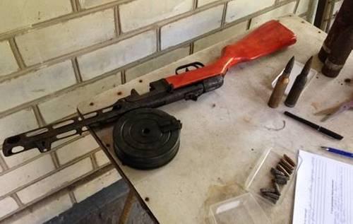 В Херсоне у местного жителя изъяли арсенал оружия