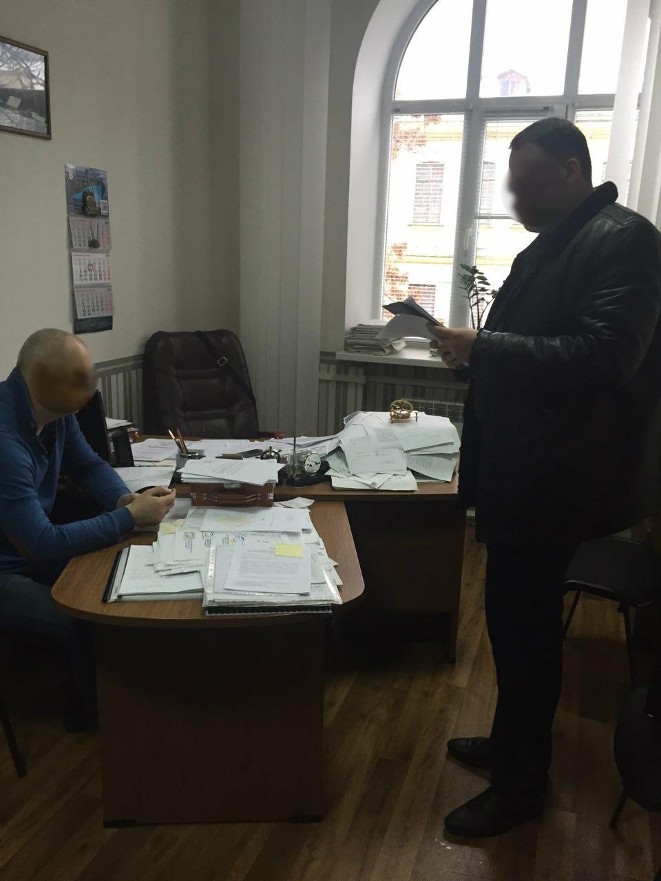В Киеве погорел на взятке проректор академии водного транспорта