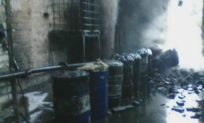 В Харькове горело предприятие по переработке резины: фото