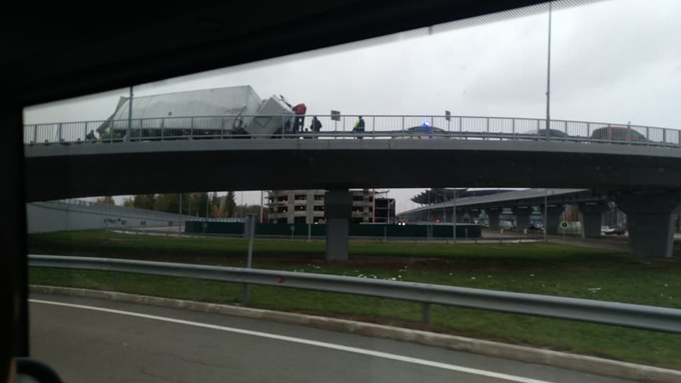 В Борисполе произошел второй за день инцидент с грузовиком - фото