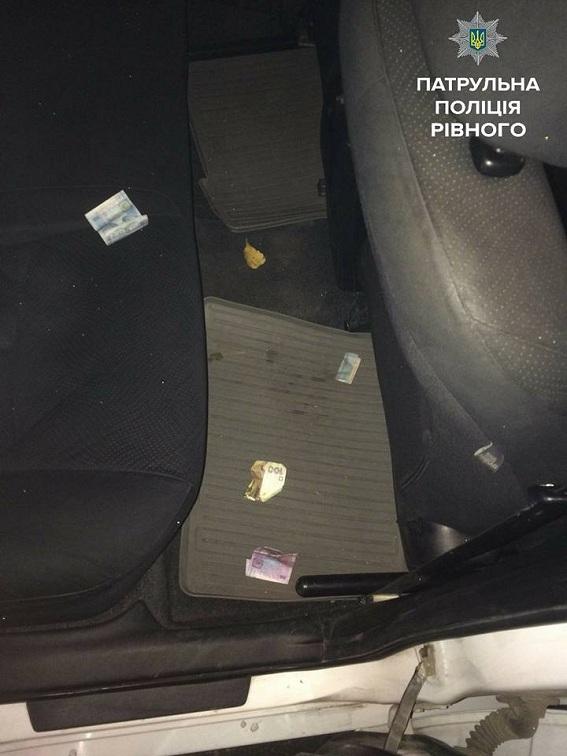 В Ровно пьяный водитель пытался притвориться пассажиром: фото