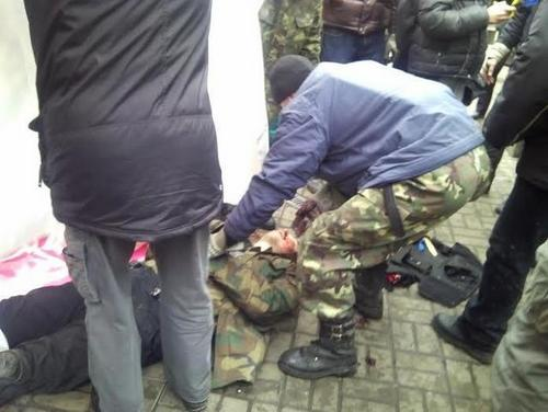 На Майдане сегодня погибли десятки человек - очевидцы