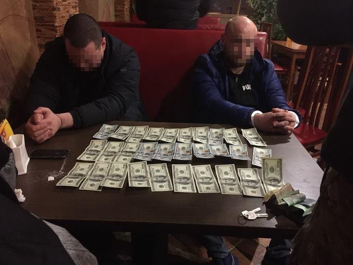 На Волыни СБУ разоблачила на взятках своего сотрудника: фото